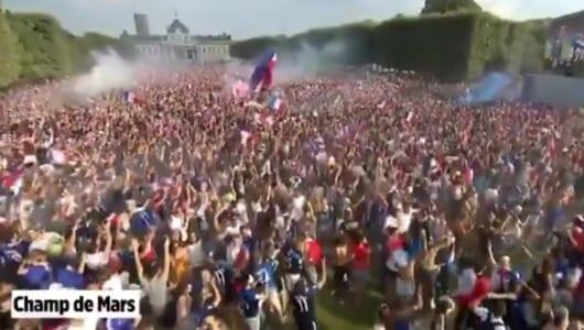 W杯優勝はフランス! パリもすごいことになっていた! なんと9万人が狂喜