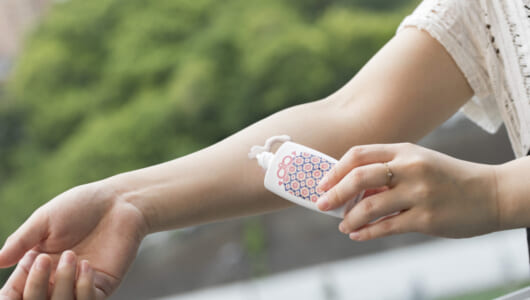 頭皮の日焼けが薄毛の原因に! 皮膚科医が教える、大人と子どもの正しい紫外線対策