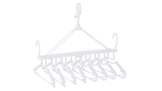 このひとクセが洗濯をラクにして時短にも!! 小技効きすぎなホムセン「地味売れハンガー」