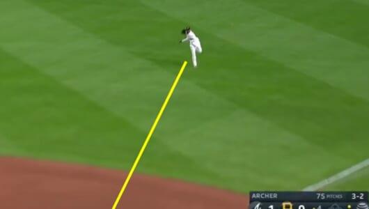 これがWBC最優秀外野手の実力!「ライトゴロマスター」の鬼送球を見よ
