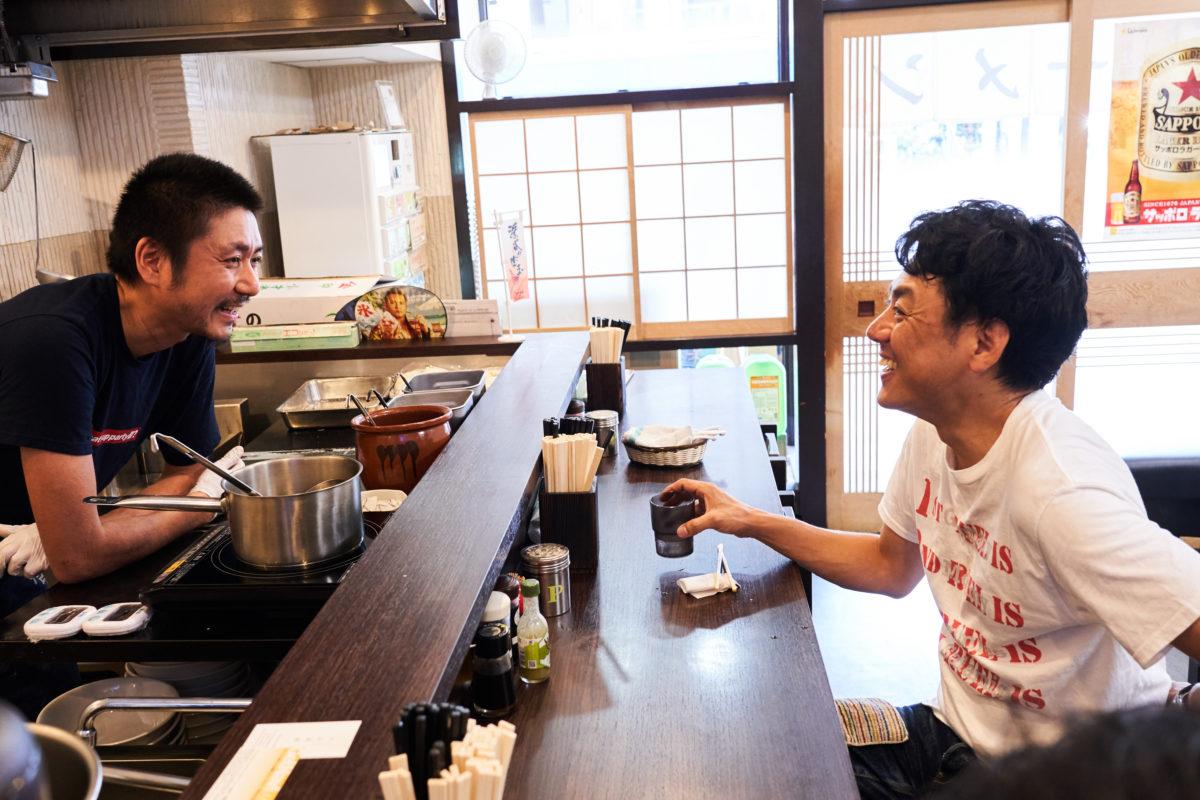 ↑好みの傾向が酷似しているふたり。田中さんのラーメン本「Ra:」が心のバイブルだという今田さんとはあっという間に意気投合、たびたび一緒にのみに行く仲だという
