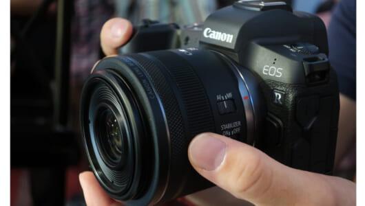 ソニー、ニコン、そして――キヤノン「EOS R」の登場で「フルサイズミラーレスカメラ」はどうなる?