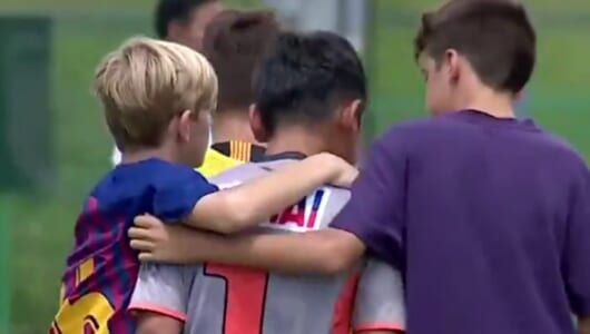 FCバルセロナの少年たち、今年も日本で出場した大会での「振る舞い」が話題に