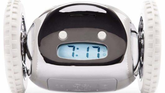 明日朝から遅刻知らず!二度寝を許さない「目覚まし時計」5選