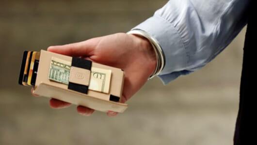 最小厚さは0.4cm! 海外で大人気の「世界一スリムなスマートウォレット」