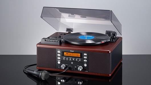 カセットテープもレコードもカラオケも1台で! 一体型オーディオ「LP-R560K」