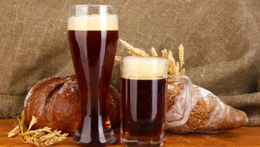 パンを捨てるなんてとんでもない! ベルギー&英国で広まる「廃棄パンから醸造したビール」