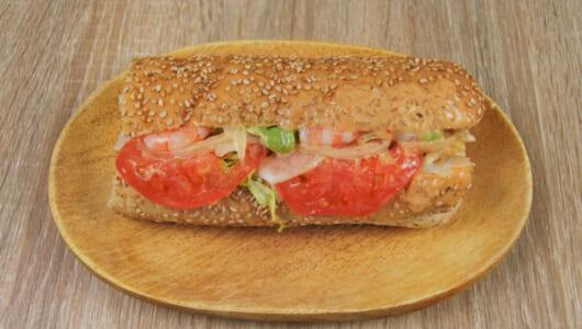 【テイクアウトめし】えび、アボカド、トマト… 旨味全開の最強コラボ! サブウェイの「えびアボカド」