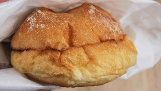 【テイクアウトめし】ツナ&チェダーチーズのコンビが絶品! 濃厚な旨味がクセになるベローチェ「カイザーサンド ツナメルト」