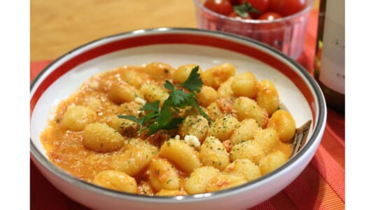 一瞬で「本格イタリアおつまみ」が完成! カルディ「お手軽ニョッキソース」食べ比べ