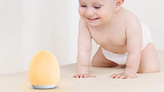 赤ちゃんがいても安心! やわらかいシリコン素材のベビーナイトライト「VA-CL009」