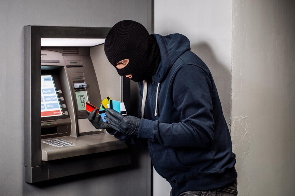 c5525a993e そこで役に立つのが電波遮断グッズ。ポーチなど、小物を少し変えるだけで怖い犯罪から自分を守ることができるのです。トレンド予測のプロである楽天市場のトレンド  ...