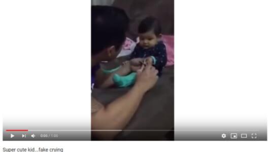 """【必見オモシロ動画】""""嘘泣き""""で爪切りを妨害しまくる賢い赤ちゃん♪"""