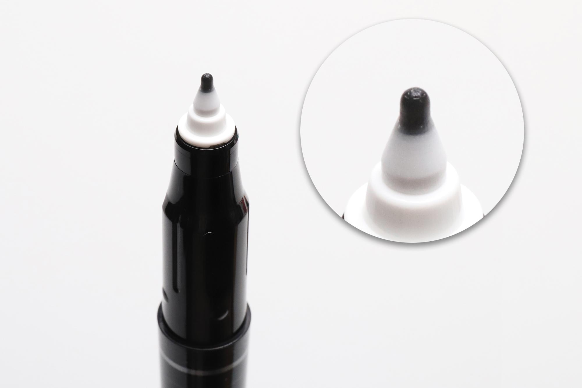 ↑プラペンチップの先端に刻まれた放射状の溝で、インクを供給する。フロー(供給されるインク量)はかなりたっぷりめ