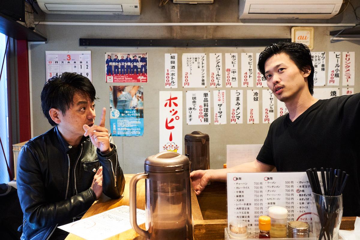 ↑「鍋を1日中ふりまくって、腕は大丈夫なの?」という田中さんに、「慣れてるんで腕は全然大丈夫です」と涼しげな幸田さん