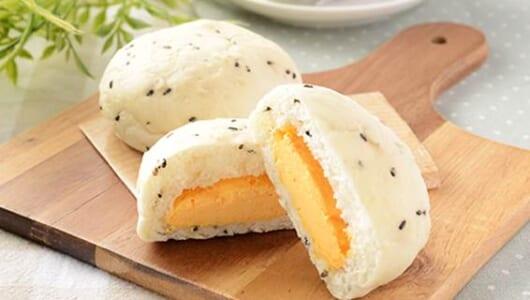 糖質を抑えた生地を使用!ローソンの新作「糖質オフの黒ごまとチェダーチーズクリームのパン 2個入」