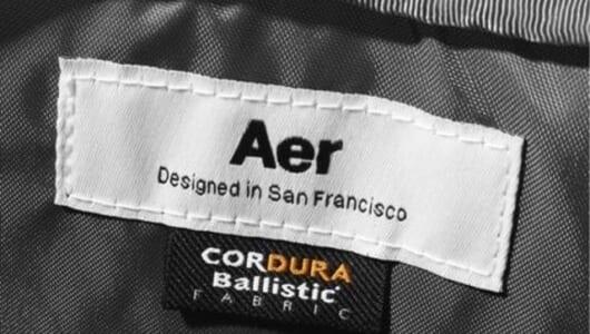 バッグの中を整理整頓。ビジネスシーンで「映える」、Aerのガジェットポーチ。