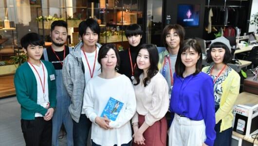 吉高由里子主演『わたし、定時で帰ります。』原作・朱野帰子が激励訪問「原作をはるかに超えて魅力的」