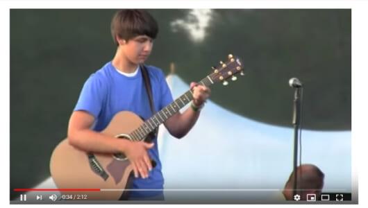 【必見オモシロ動画】 スラップ奏法で超絶技巧を魅せる15歳の天才ギタリスト!