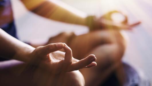 1日10分でエネルギーチャージ!日常的にできる「ごほうび瞑想」