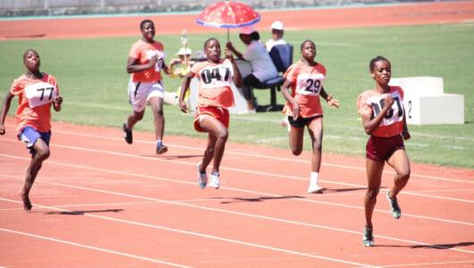 高橋尚子さんも現地で指導!――オリンピックへ夢つなぐ、タンザニアで女性ランナー育成を支援【JICA通信】