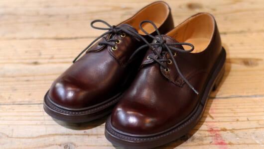 デニムに合います。「大人カジュアル」を体現できる革靴はこちらより