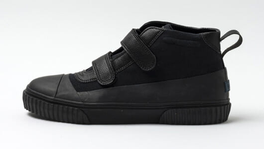 春夏コーデは足元で引き締める。ショップ店員のおすすめ黒スニーカーは?