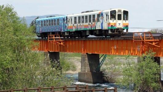 花と山景色と最古の鉄道遺産が旅人を出迎える「山形鉄道」10の疑問
