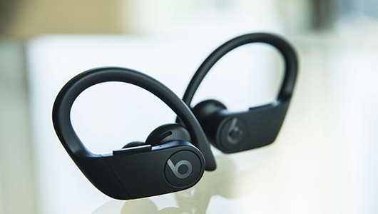 Beats待望の完全ワイヤレスイヤホン「Powerbeats Pro」――その魅力をルーク・ウッド氏が語る