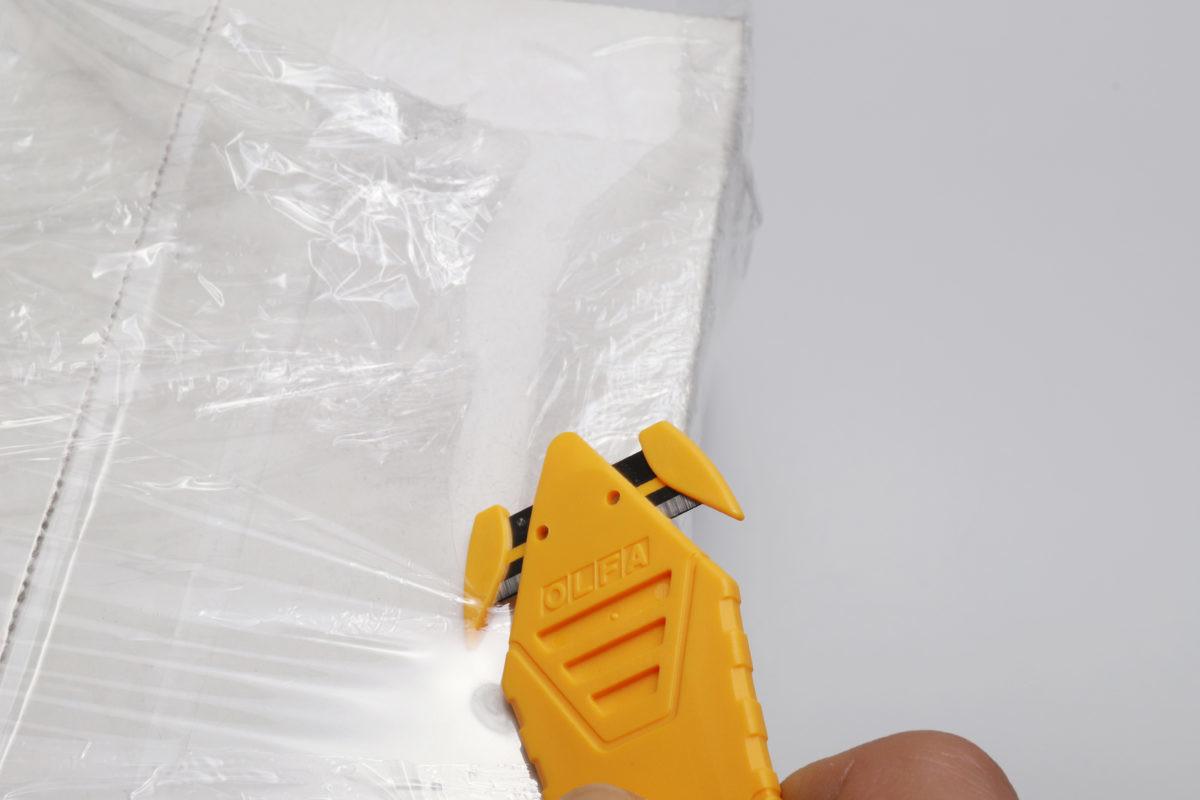↑開けるのが面倒なミイラ梱包が、確実・迅速に開けられるのはさすが