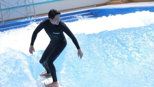 吉沢悠がサーフィンを生披露!『ライフ・オン・ザ・ロングボード 2nd Wave』