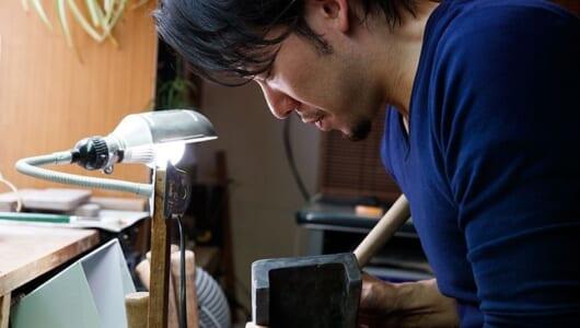 """""""製硯師""""青栁貴史にインタビュー!硯と毛筆に対する情熱的でクレイジーな思いとは?"""