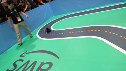 「AWS2019」で見つけた、AIミニカー「DeepRacer」はカーレースの新しいムーブメントだ!