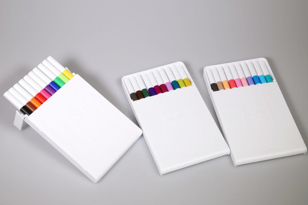 ↑10色セット(税抜き2000円)のケースは、高級色鉛筆のような雰囲気があっておしゃれだ