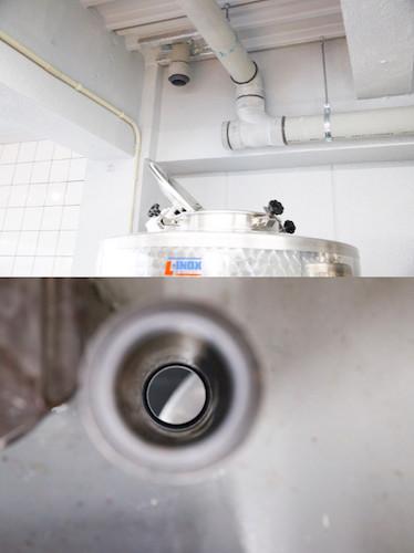 ↑下のタンクと上のタンクをホースで繋ぐ際に使用する、1階天井部に空いた穴。ワイナリー開設の際に、そのような作業を想定し設備会社に設置を依頼したという