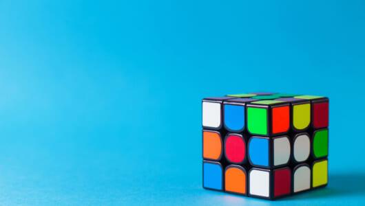 人間より2秒も早い! ルービックキューブをあっという間に解く「AI」が超スマート