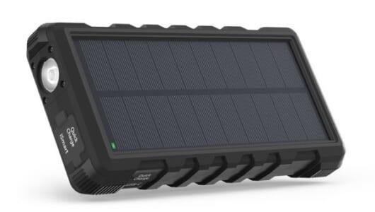 モバイルバッテリーは「太陽光+防水」が最強。大容量系3つをピックアップ