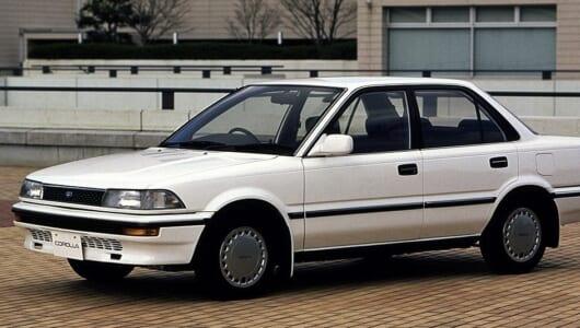 どうりで豪華だったわけだ…歴代でもっとも売れた「中興の祖」【中年名車図鑑|6代目 トヨタ・カローラ】