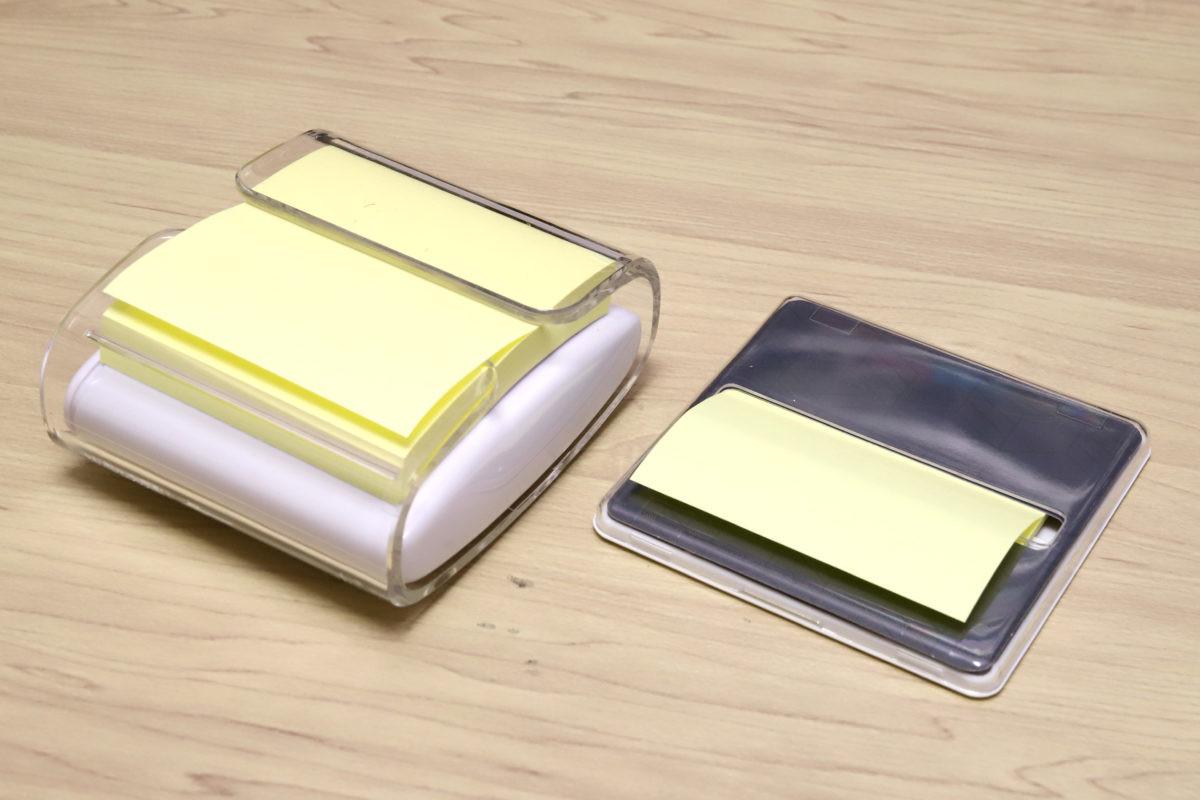 ↑ポップアップ(左)とコンパクトポップアップ(右)。格段に薄くなってポケットティッシュ感覚に