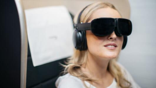 雲の上でも広がる仮想現実! 航空会社の「VR」実験が空の旅を変える
