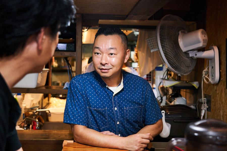 ↑長尾大店主は青森市出身。上京後に六本木の「香妃園」など一流中華料理店で修業し、帰郷後もホテルの中華レストランで働くなか津軽ラーメンの魅力に目覚め、2004年に「長尾中華そば」を創業