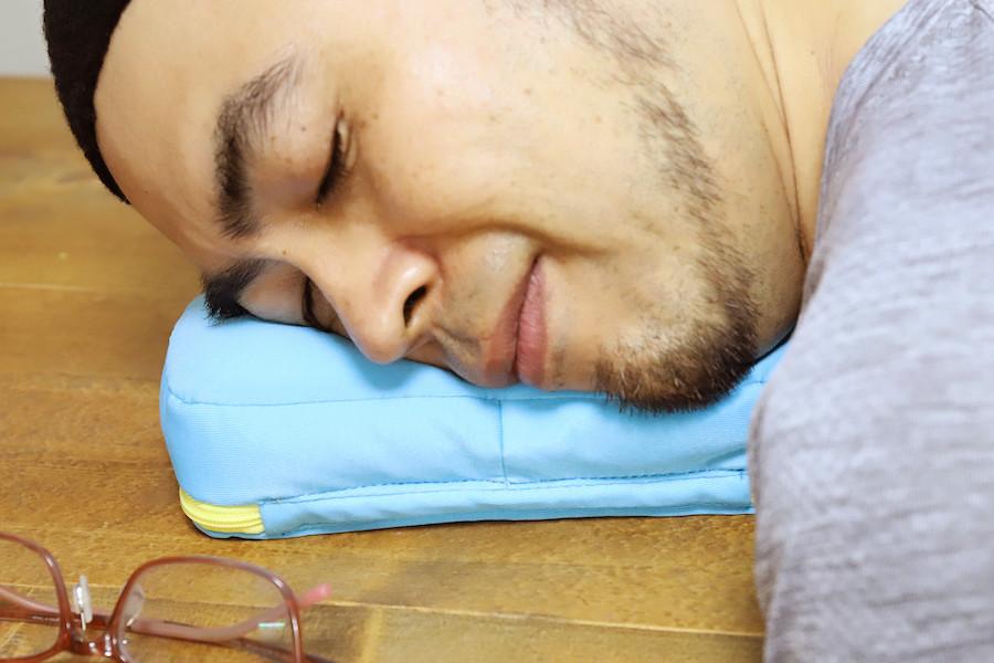 ↑さらもちタイプはしっとりと肌にフィットするのがとても気持ち良い。これはガチで寝れるわー