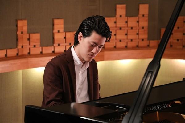 ピアノ 霜降り 明星 粗品