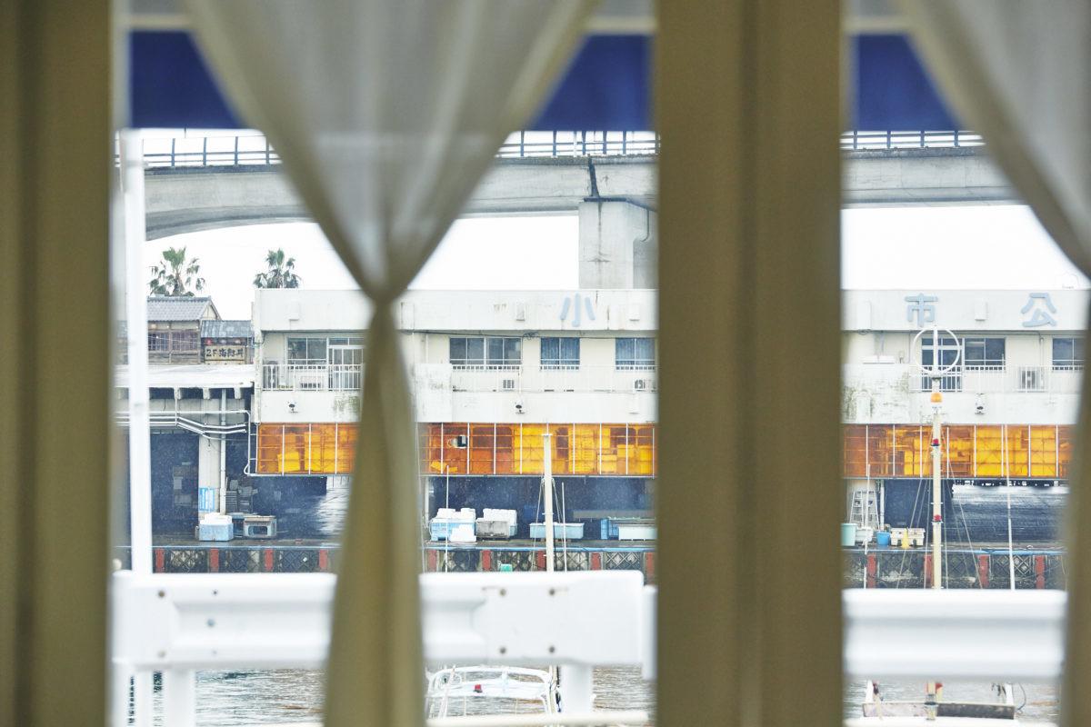 ↑「イルマーレ」は、JR東海道本線「早川駅」より徒歩約3分の場所にあるリストランテ。撮影/寺澤太郎(『スゴイ魚料理』より)