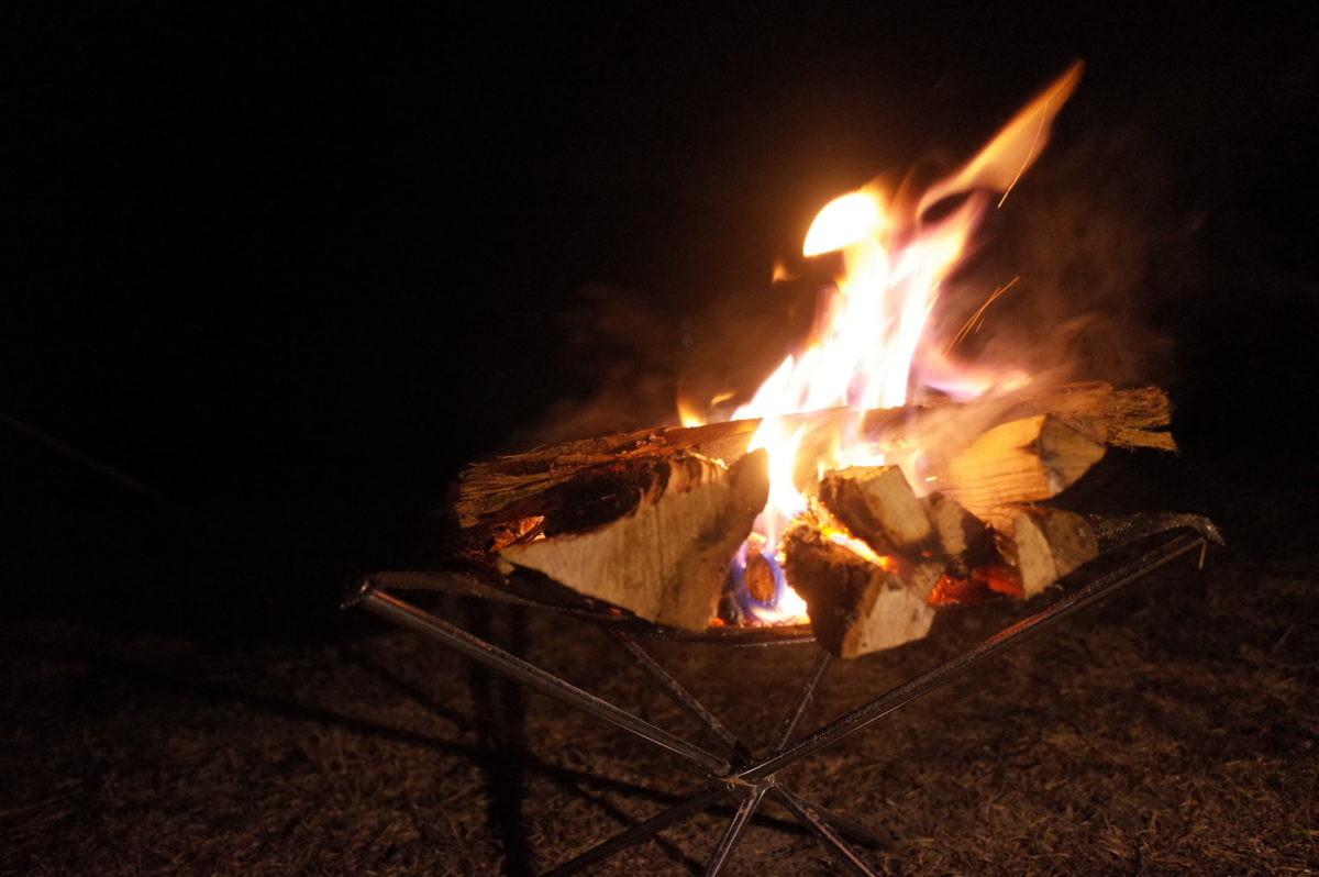 ↑やはりメッシュ状の火床だとよく燃える