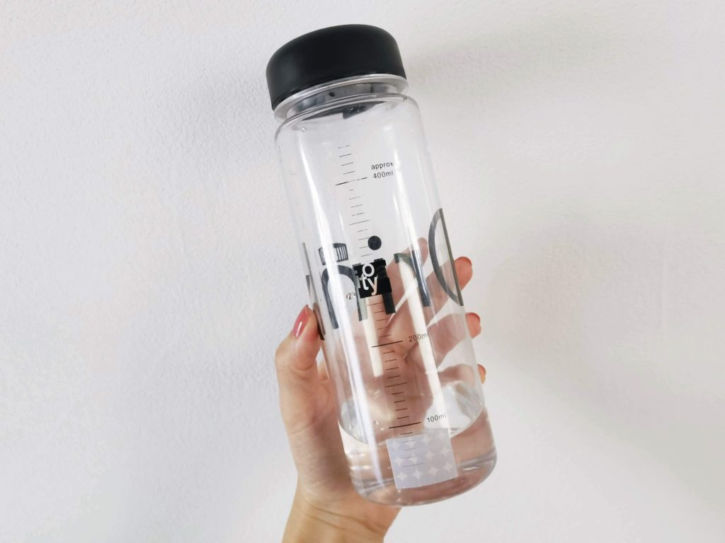 ↑「Chigiru」をボトルに貼って、飲んだ水の量を管理