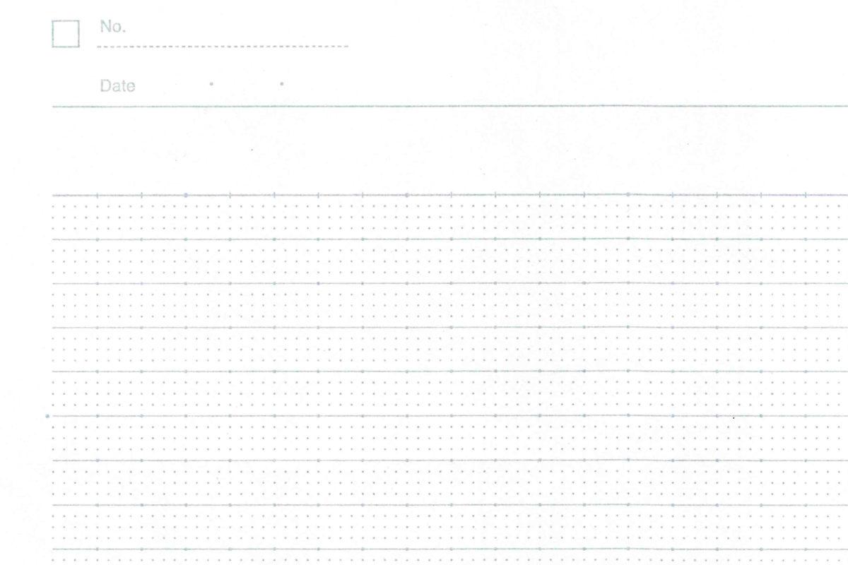 ↑理系線の紙面。ドット入りの横罫+行の中の細かいドットが特徴だ