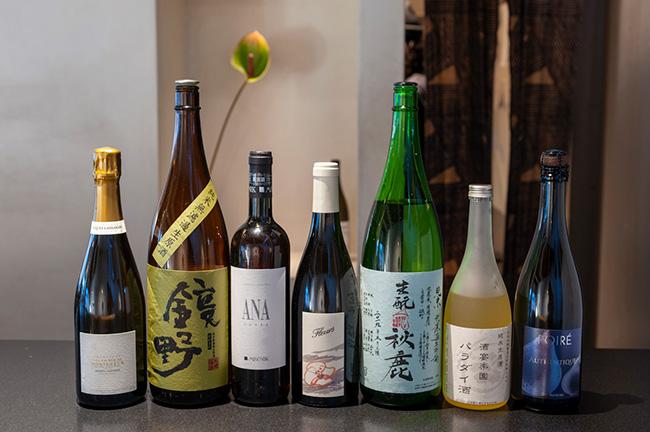 ↑Kabiに用意されるお酒は、ワインや日本酒のほか、ビールやシードルなど、バラエティに富む
